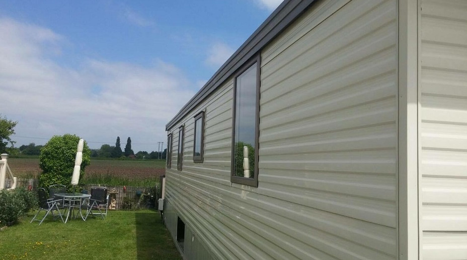 Evesham-in-Worcestershire-Caravan-Doors-Windows