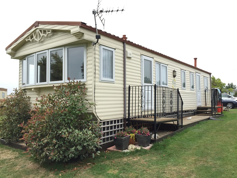 double-glazing-windows-and-doors-fitted-to-a-Willerby-Granada-static-caravan-in-Dymchurch-in-Kent