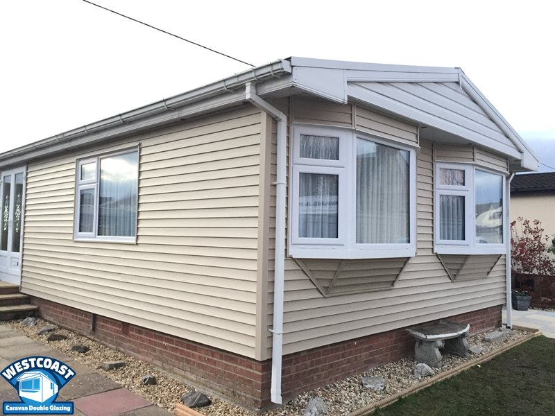 External vinyl cladding for residential park homes